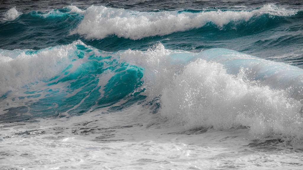 surf-3204819_1280